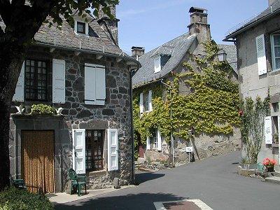 Villes et villages de charme du Cantal 185
